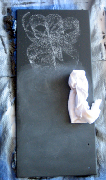Condition the paint, chalk the chalkboard: Using Chalkboard Paint | DIY Playbook
