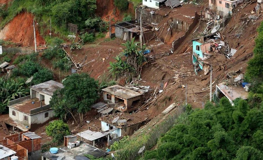 The Big Wobble: UPDATE: Landslide in Sri Lanka KILLS 180