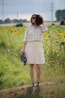 http://seaofteal.blogspot.de/2015/07/culottes-karo-und-beige.html