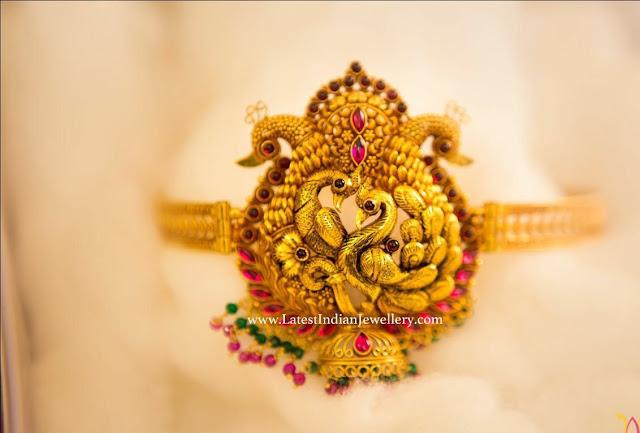 Gold Peacock Dandapatti