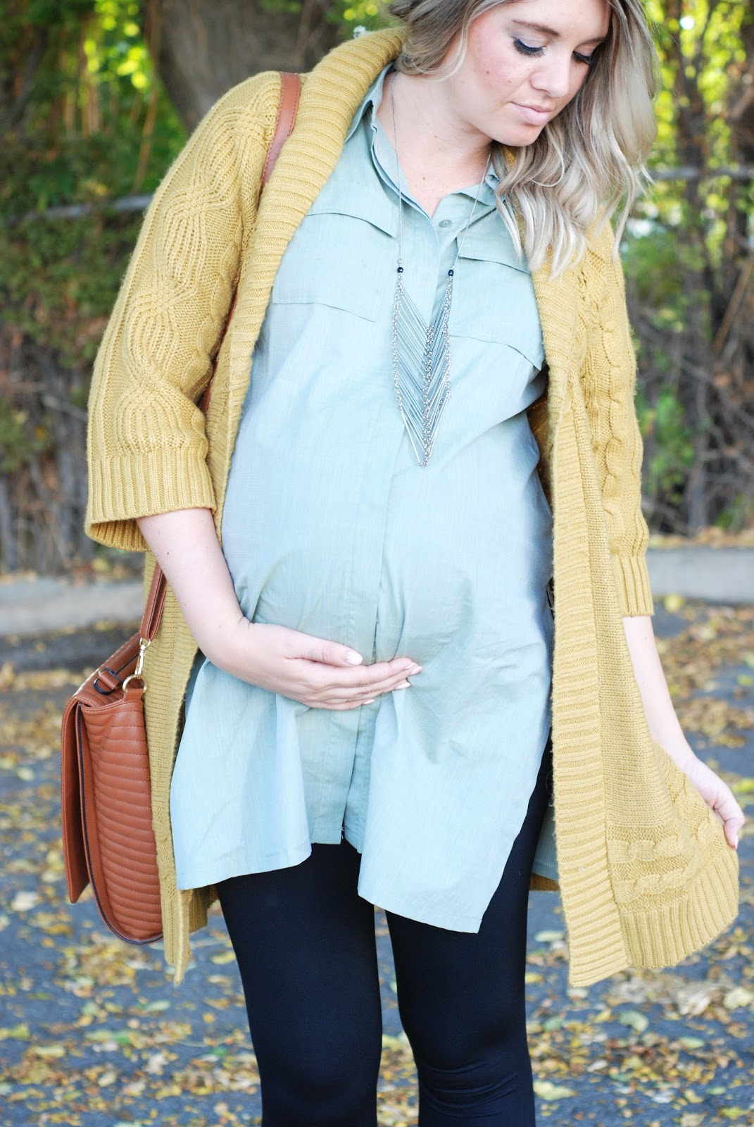 Fashion Bloggers The Red Closet Diary Yellow and Blue Pregnancy Maternity Clothes Apparel