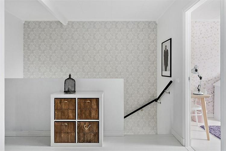 decorar escaleras papel pintado muebles ikea vintage blanco estilo nordico decoracion nordica interiorismo barcelona alquimia deco