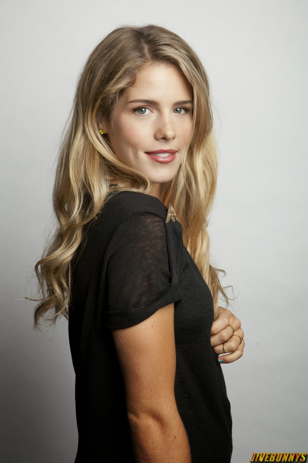 Adriana Lima Age >> Emily Bett Rickards Hot Actress Photos Gallery 1 - Indian Actress Hot Photos and HD Wallpapers