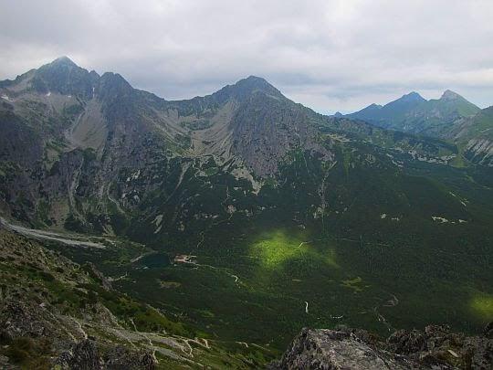 Widok na Dolinę Zieloną Kieżmarską.