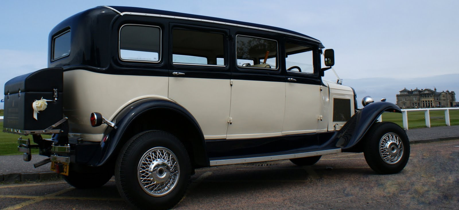Tour Scotland Photograph Of A Wedding Car By The 18th Fairway At Old Course St Andrews Fife