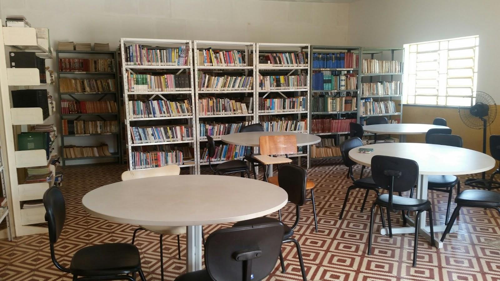 40 Anos! Biblioteca vive em silêncio e desatualizada