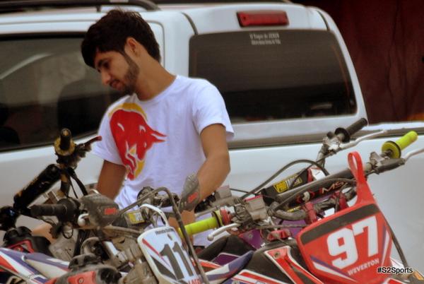 Jovem de Santa Cecília vence Festival de Motocross em Cachoeirinha-PE
