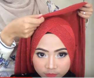 Style Hijab Kondangan Simple Gaya Terbaru Paling Disukai Wanita