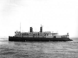 Un barco del año 1917. El Reina Victoria debía parecerse mucho.