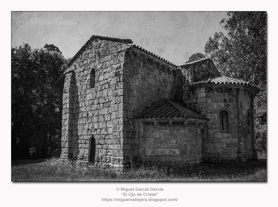 Iglesia Románica de San Miguel de Breamo