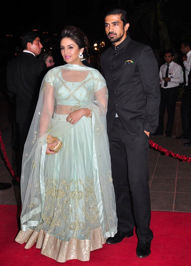 Huma Qureshi with brother Saqib Saleem, Pics from Arpita-Ayush's Wedding reception