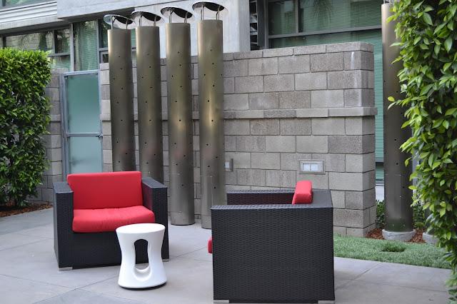 Met Lofts Los Angeles courtyard