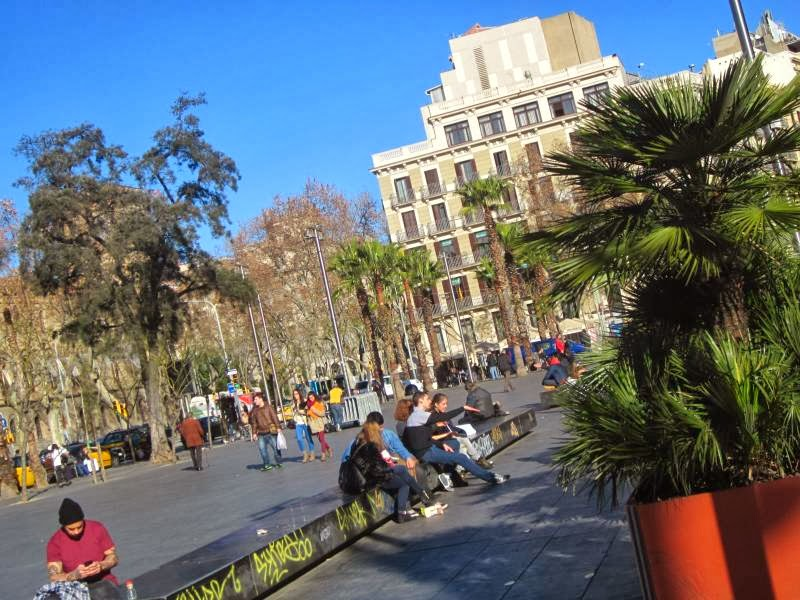 SHOPPING IN BARCELONA  CARRER PELAI ~ Beautiful places of Barcelona ... 4c0a2bfdbca