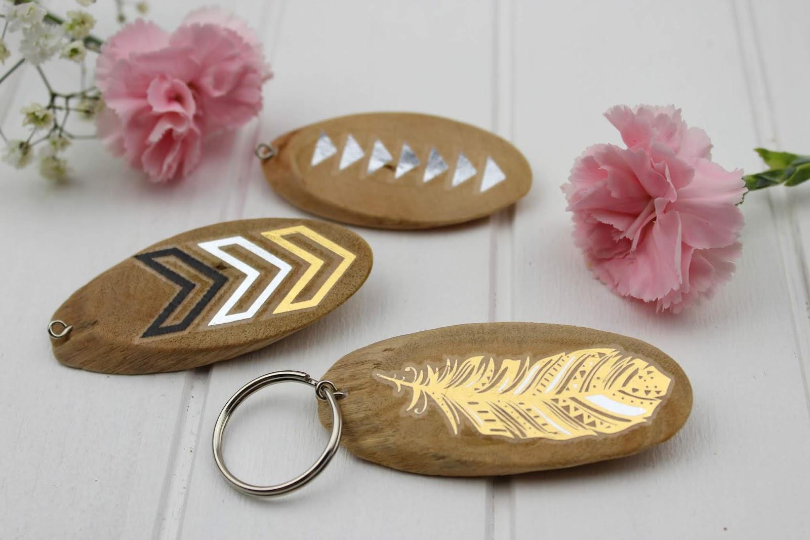 DIY - Schlüsselanhänger aus Holz ganz einfach selber machen - perfekt als Geschenkidee