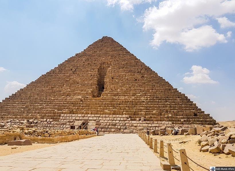 Pirâmide de Miquerinos - Pirâmides do Egito por dentro: saiba como visitar