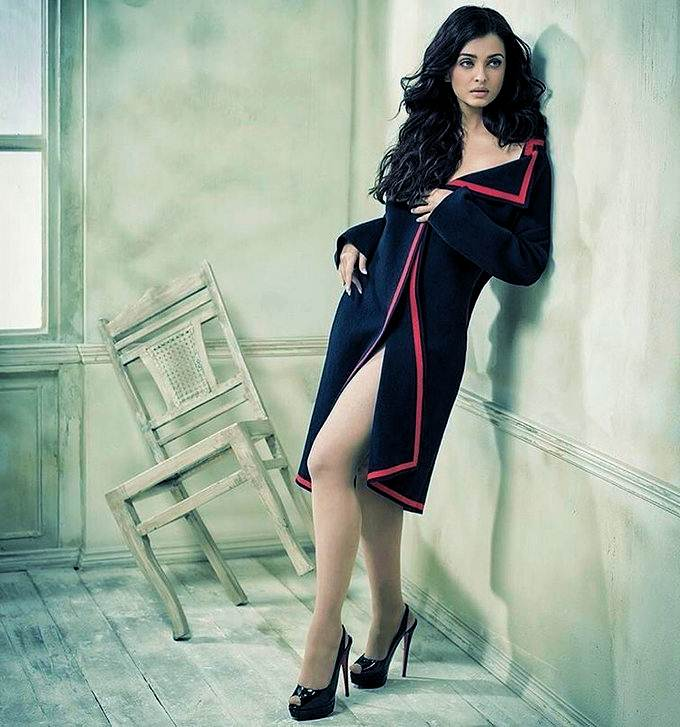 Aishwarya Rai Bachchan is a former Miss World who is now included as the  most influential actress in the Bollywood industry. Although now has four  heads, ...
