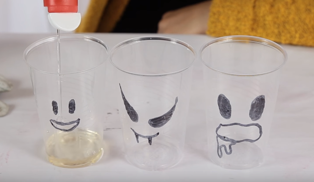 caras, fantasmas, vasos, plastico, experimento, halloween