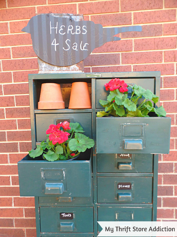 Friday's Find #137 mythriftstoreaddiction.blogspot.com Repurpose vintage file drawers as garden storage!