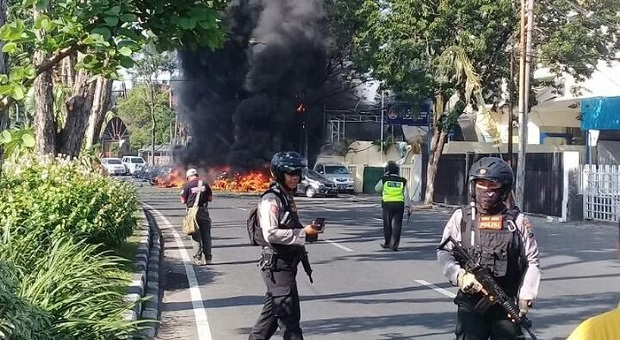 Bom Surabaya, Ganjar Sibuk Meretweet Cuitan #KamiTidakTakut
