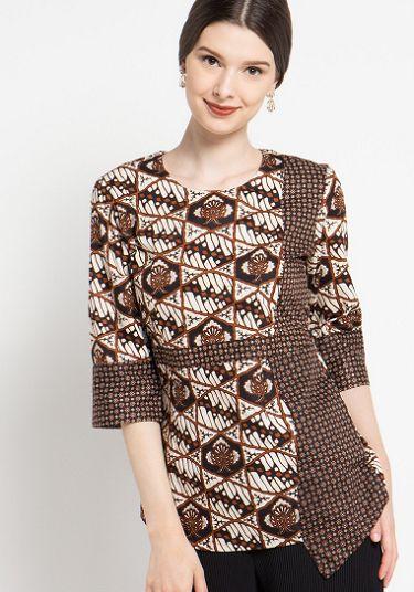 23 Model Baju Batik Atasan Wanita Terbaru ffa5adeead