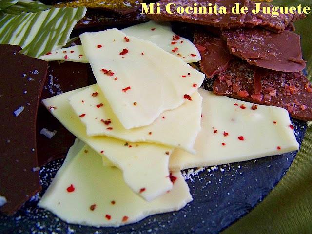 Lascas de Chocolate con Sabores: Pimienta Rosa