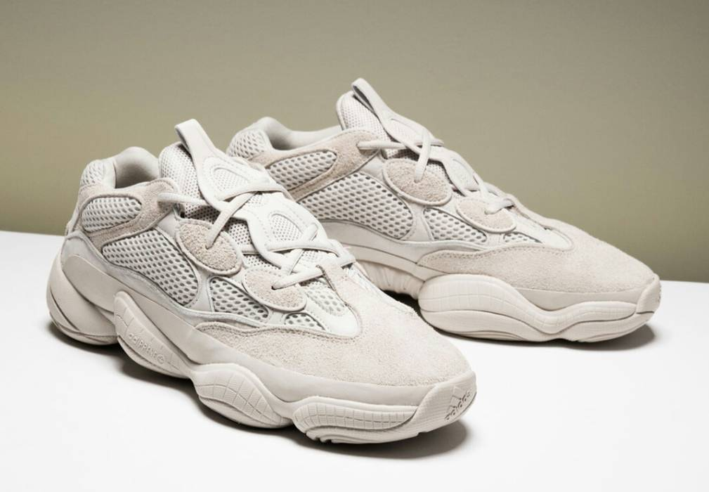 5f6ccc62e2f39a The shape of the Yeezy series has been changing