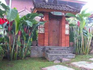 Villa Made 3 Kamar Tidur Di Istana Bunga