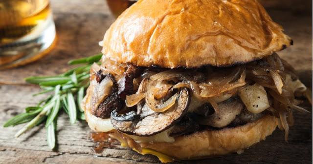 Burger champignons et sa confiture d'oignons