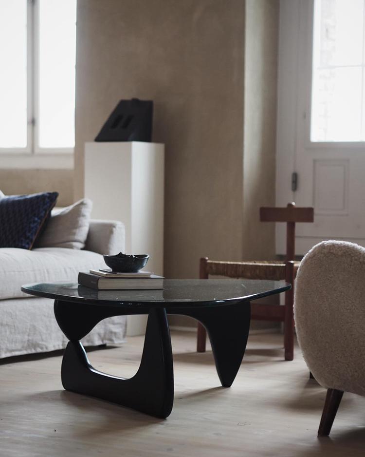 Contemporary sophisticated interior design by Danielle Siggerud