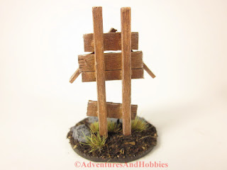 Small miniature roadside shrine T1534 25-28mm scale war game scenery piece - rear view.