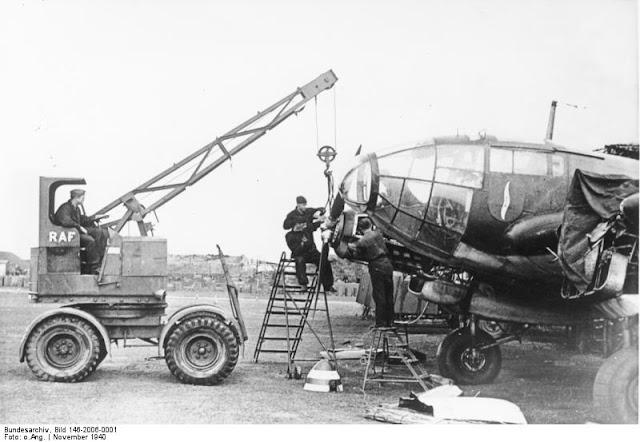 19 November 1940 worldwartwo.filminspector.com Heinkel He 111