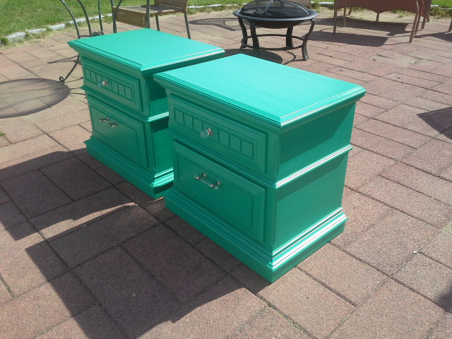 Green Nightstand set