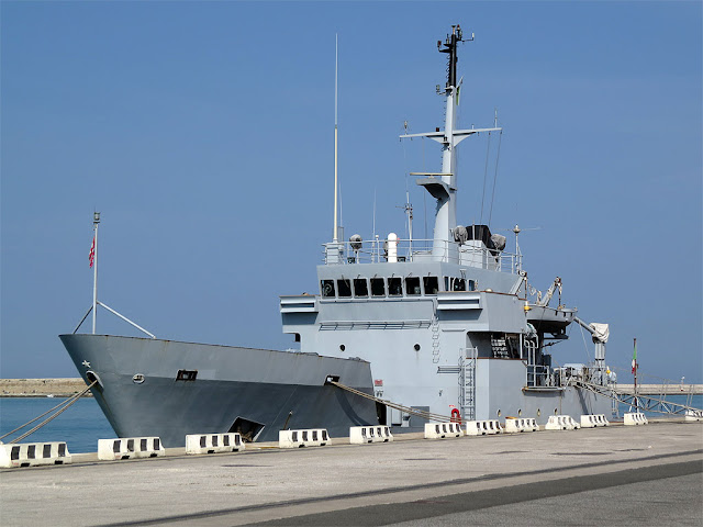 Navy ship Tavolara A 5367, port of Livorno