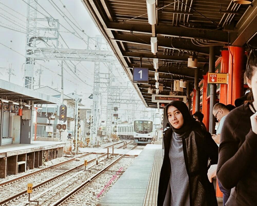 sewa locker di fushimi inari station