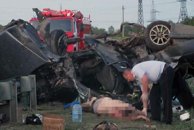 Две семьи пострадали в смертельном ДТП: погибли 4 человека
