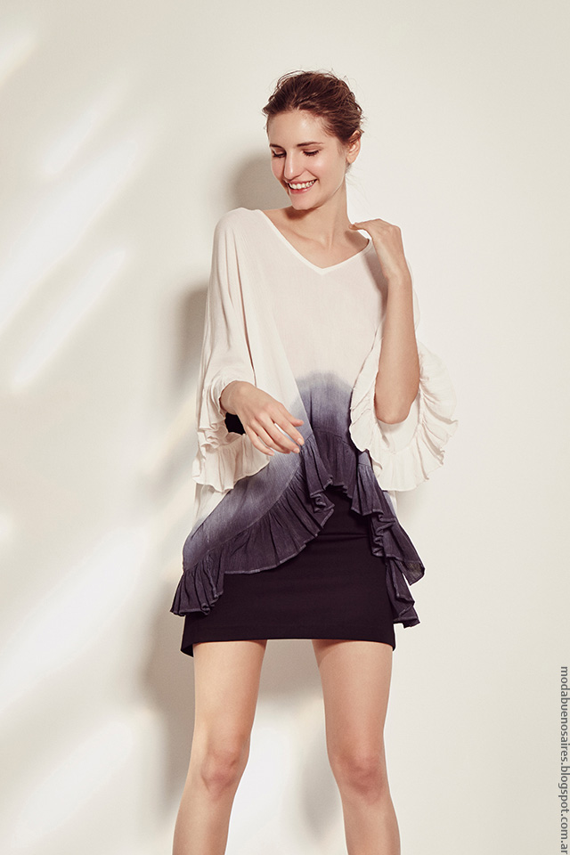 Moda primavera verano 2017 colección Clara. Blusas con volados tendencia de moda verano 2017.