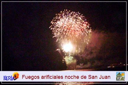 El disparo de fuegos artificiales visten de gala multicolor el cielo del recién estrenado verano nerjeño
