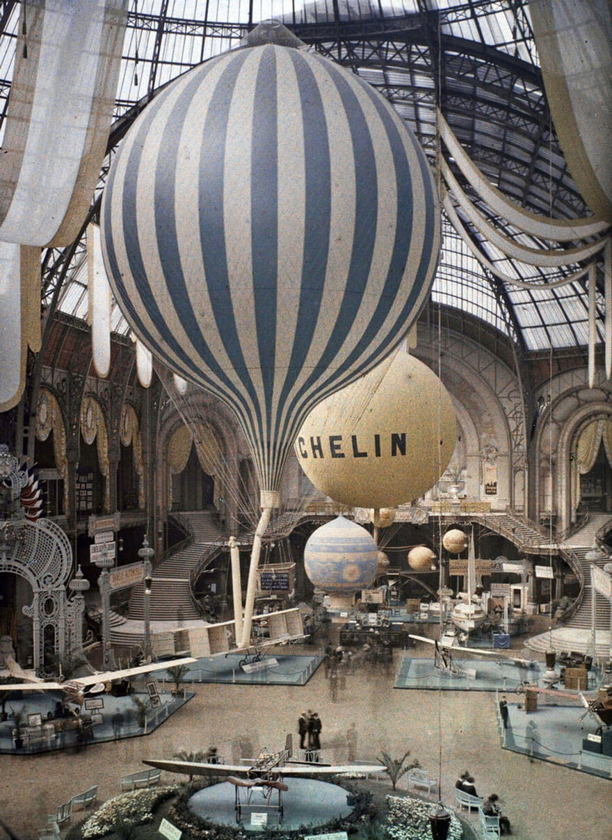 40 Old Color Pictures Show Our World A Century Ago - Air Balloons, Paris, 1914