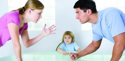 Peleas de padres pueden generar en los niños agresividad y bajo rendimiento escolar.