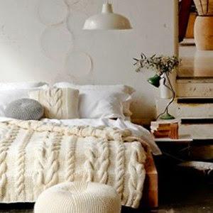 Pour une décoration  plutôt sobre et sereine, la laine pourrait être la matière parfaite