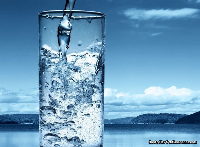 Berapa Banyak Air Sebenarnya Yang Kita Patut Minum Setiap Hari?