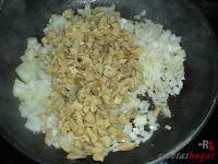Cebolla y champiñones pochándose