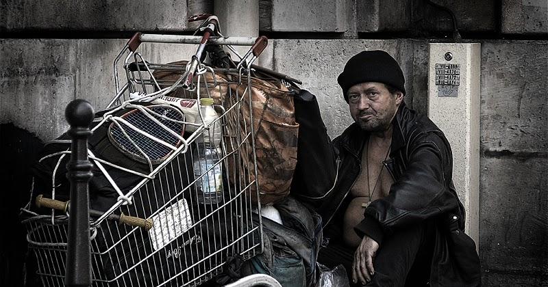 Nytt magasin hyllar hemlösa