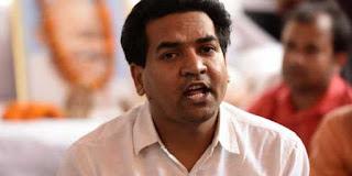 kapil-should-apologize-to-yogendra-prashant