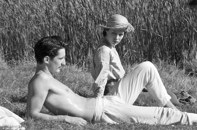 "Paula Beer und Pierre Niney in ""Frantz"""