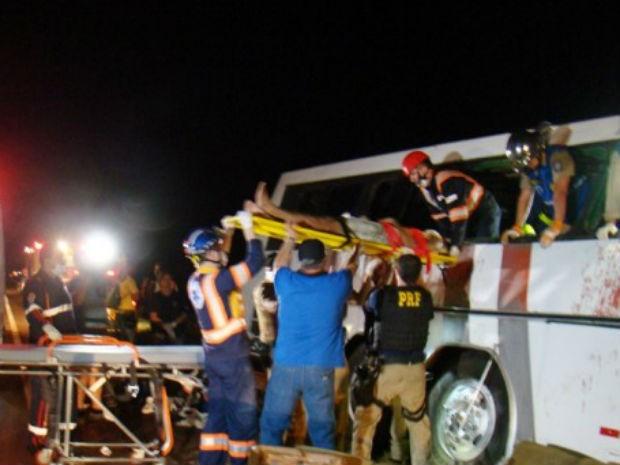 Tentativa de assalto a ônibus deixa 9 mortos