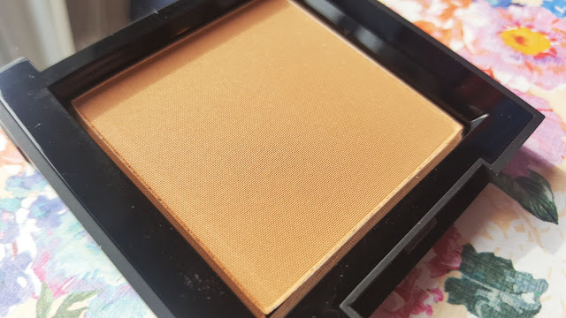 Beauty   High Definition Bronzer in 001 Light/Medium