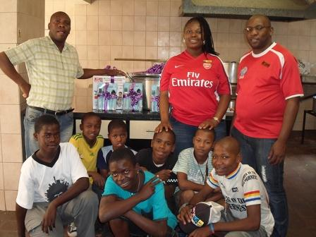 Hollywoodbets Hillbrow with children and staff from the Twilight Children Home