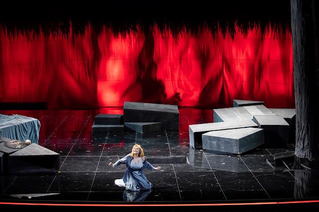 Gotterdammerung - Grand Théâtre de Genève (Photo Carole Parodi)