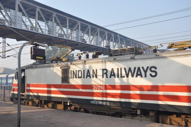Rail Budget 2016: 63 प्रतिशत रेल यात्रियों ने माना, सीट देने के लिए TTE ने मांगी रिश्वत